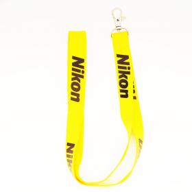 Ремень Nikon Нашейный узкий ремень с карабином, желтый цвет, надпись Nikon